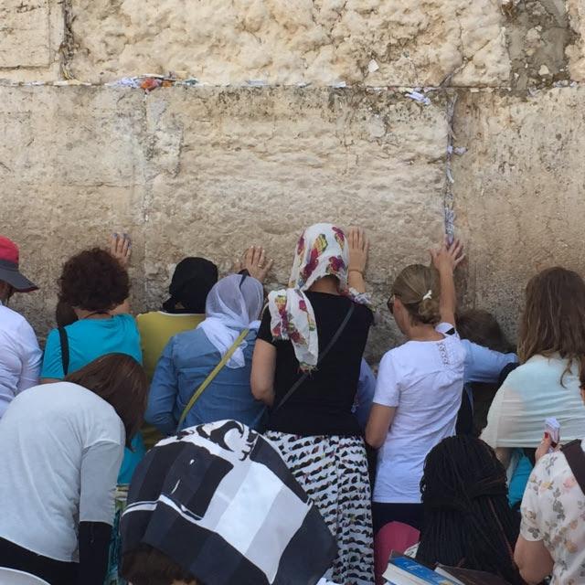 praying at western wall day seven