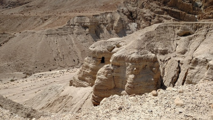 qumran cave day eight