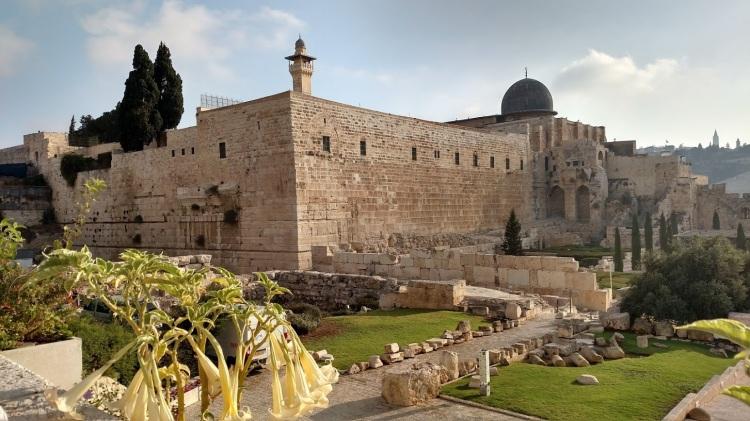 old jerusalem temple mount from line
